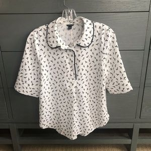 Cute Ann Taylor Peter Pan collar blouse
